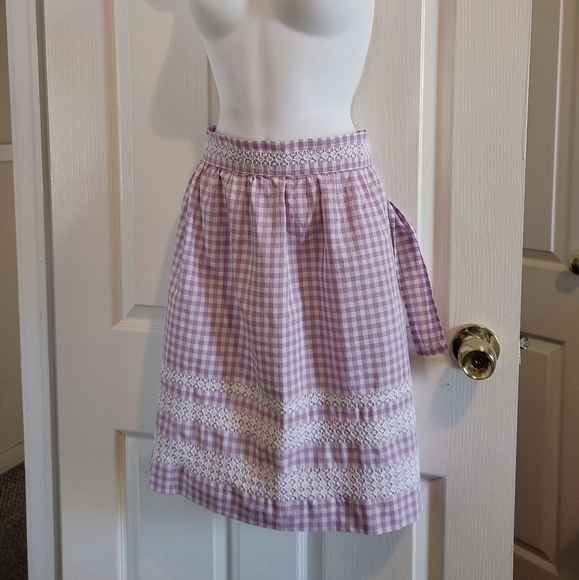 Vintage lavender/white checkered lace half apron